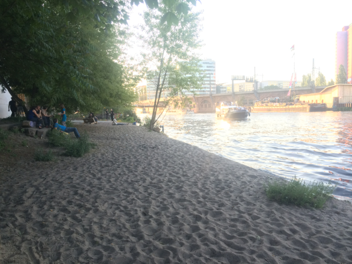 Beach space along the river by the co-housing. The space has benches for both community members and the general public who are traveling down the river walk path. Photo Caroline Lindquist