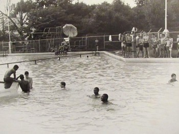 Pullen-Park-Pool-August-7-1962-_-Flickr-Photo-Sharing.html-350x262