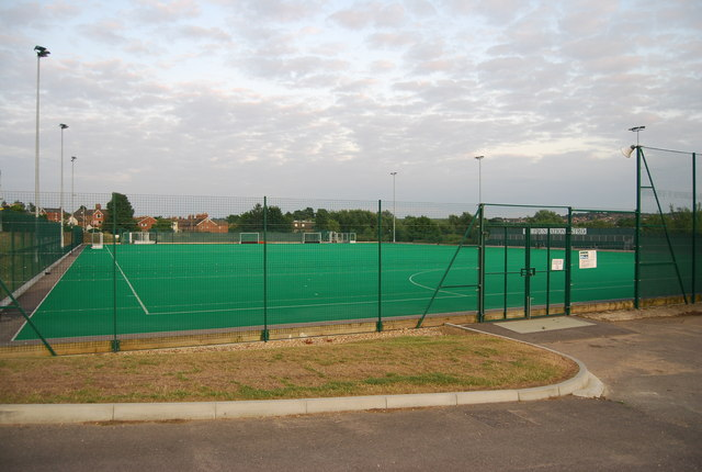 astroturf_tonbridge_school_-_geograph-org-uk_-_1393855