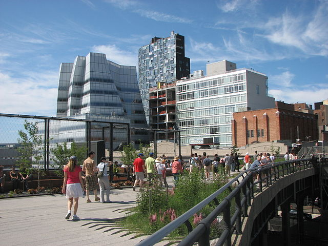 640px-A_visit_to_the_High_Line_park